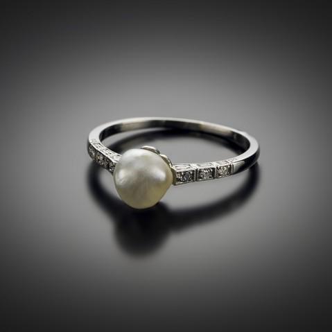 Bague Art Déco perle fine (certificat LFG) et diamants