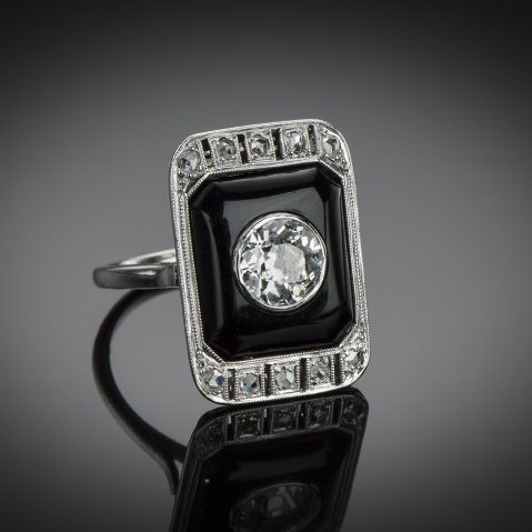 Bague Art Déco diamants (centre 1,40 carat) onyx