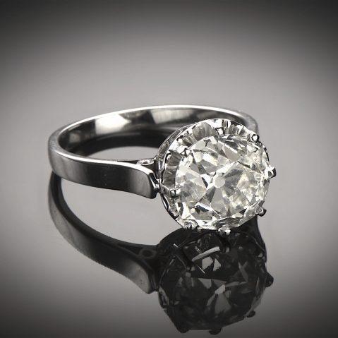 Bague solitaire Art Déco diamant (3,88 carats)