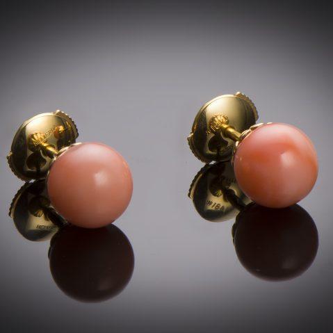 Boucles d'oreilles corail Mellerio dits Meller