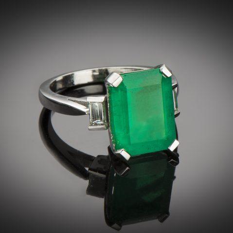 Bague émeraude (5,85 carats, certificat CGL) diamants platine