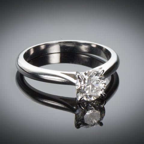 Bague solitaire diamant brillant 0,91 carat (certificat LFG)