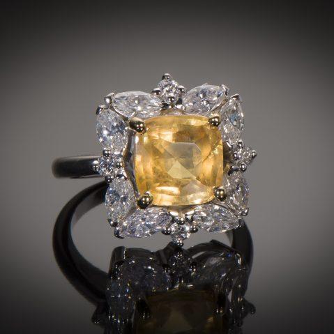Bague saphir jaune naturel (5,77 carats, certificat MGL) diamants