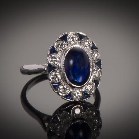 Bague saphir cabochon diamants Art Déco (vers 1930)