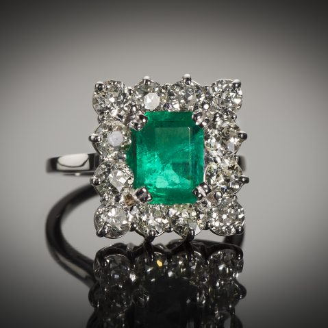 Bague émeraude (2,6 carats) diamants (1,80 carat) vers 1950