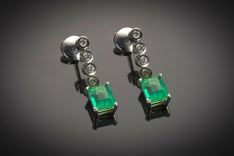 Boucles d'oreilles émeraudes (2 carats) diamants-1