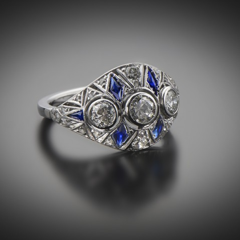 Diamond and sapphire Art Deco ring (circa 1930)