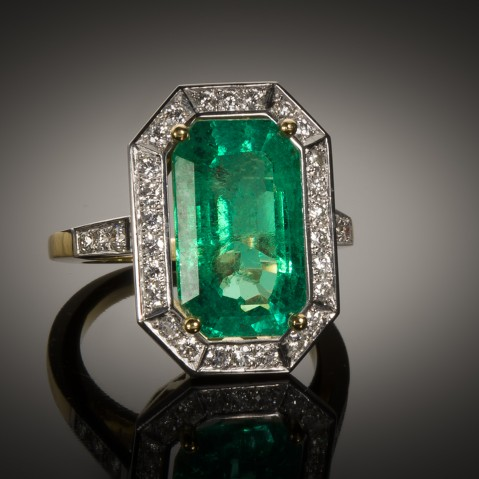 Emerald ring (8.47 carats Colombia – CGL certificate) diamonds