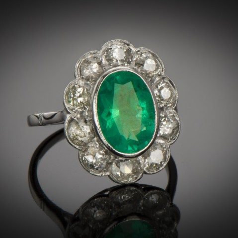 Art Deco emerald and diamond ring (2.70 carats – Certificate)