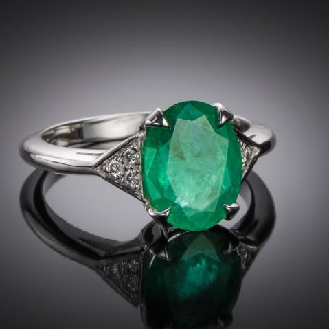Emerald ring (2.07 carats – certificate)