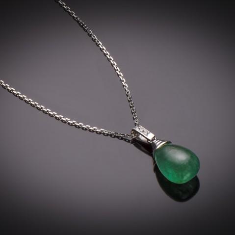 Emerald cabochon pendant (14.64 carats – certificate)