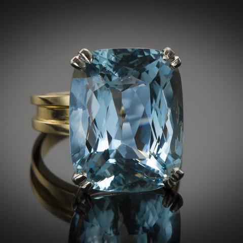 Ring circa 1950 aquamarine Santa Maria (19 carats, CGL certificate)
