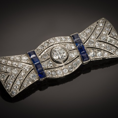 Art Deco sapphire diamond brooch (circa 1930)