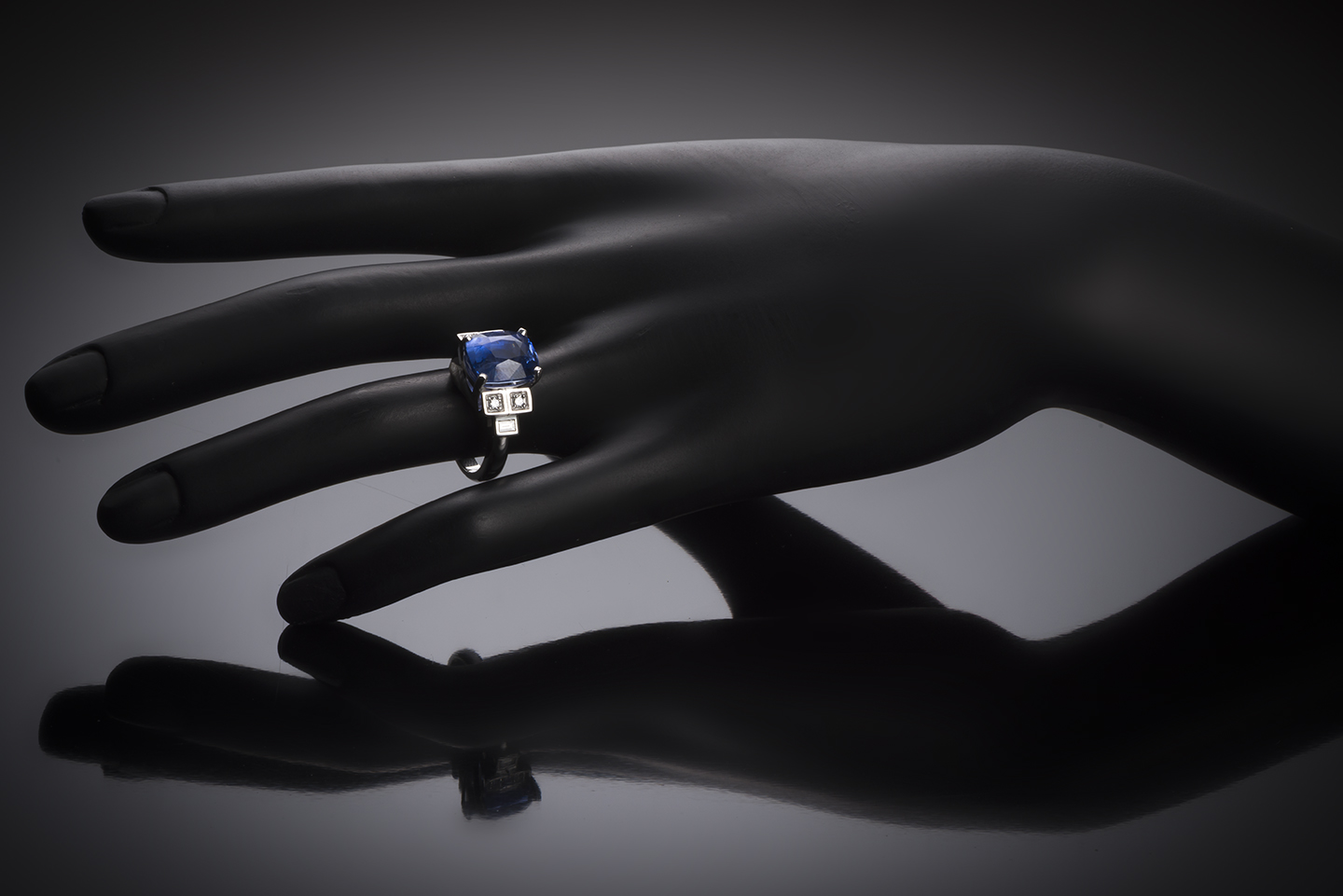 Natural sapphire and diamond ring (8.49 carats – Certificate)-2