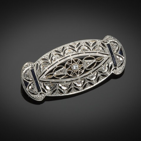 Art Deco brooch with calibrated sapphire diamonds