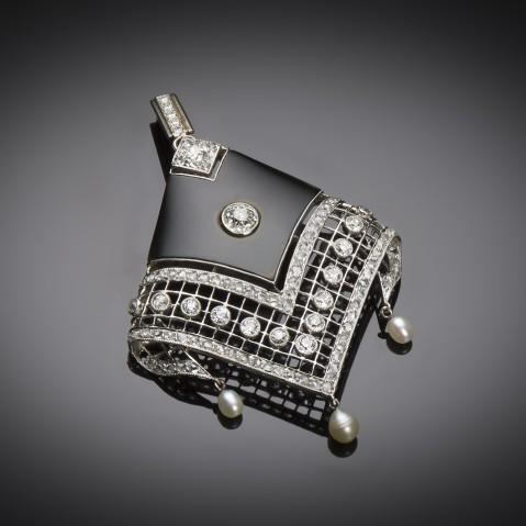 Art Deco pearl onyx diamond pendant (circa 1930)