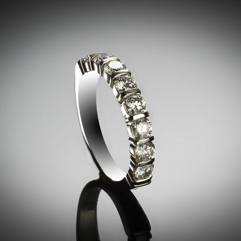 Diamond alliance (IGI certificate D-E VS2-SI1)