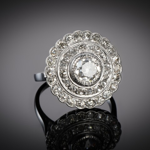 Art Deco diamond ring (3 carats, center 1.40 carat)