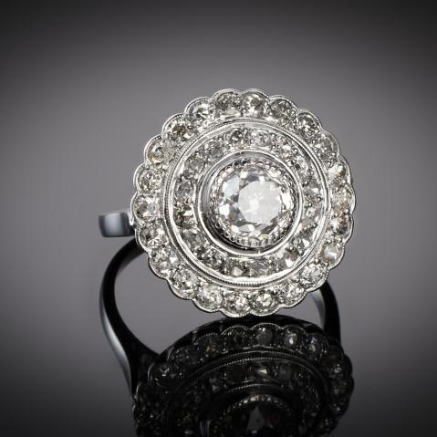 Art Deco diamond ring (3 carats, center 1.40 carat)