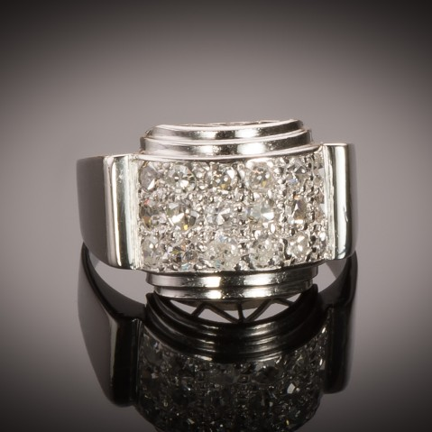 Modernist ring circa 1935 diamonds