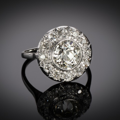 Art Deco diamond ring (3.70 carats including center 2.31 carats)
