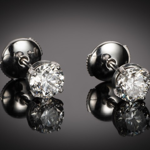 Diamond earrings (1.80 carat, 2 x 90 carat – IGI certificate)