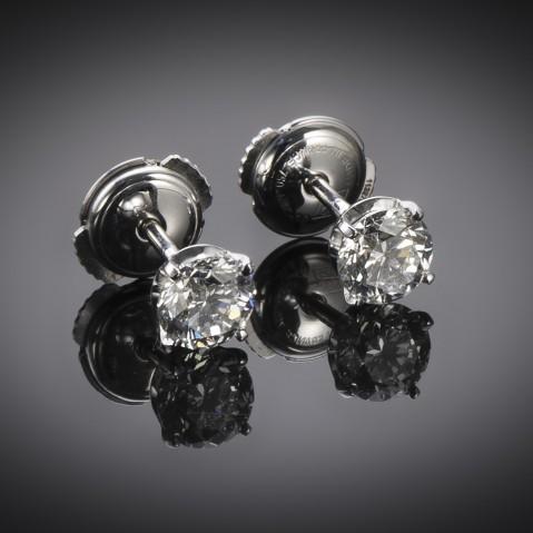 Diamond earrings (1.40 carat, 2 x 70 carat IGI certificates)