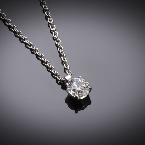 Brilliant diamond pendant (0.80 carat – GIA certificate)
