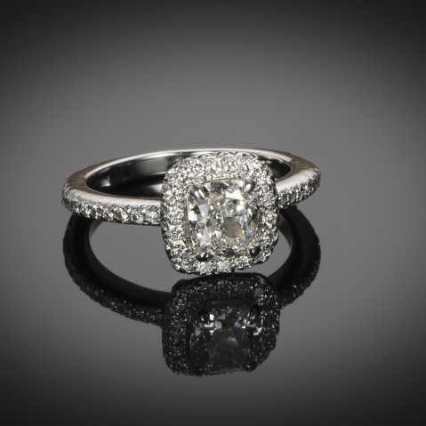 Cushion diamond ring (GIA certificate – G VS1)