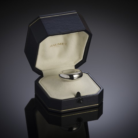 Chaumet white gold ring