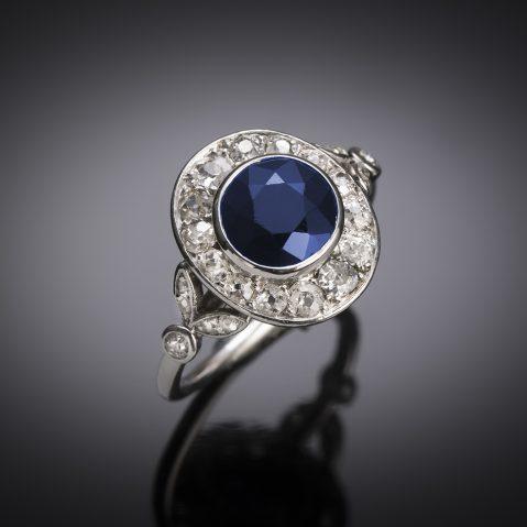 Art Deco diamond sapphire ring in platinium