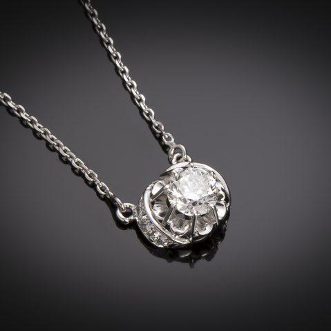 Diamond pendant (1 carat, main 0.80 carat – GIA certificate)