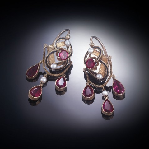 Pendants d'oreilles émaillées grenats perles fines Napoléon III (1851 – 1871)