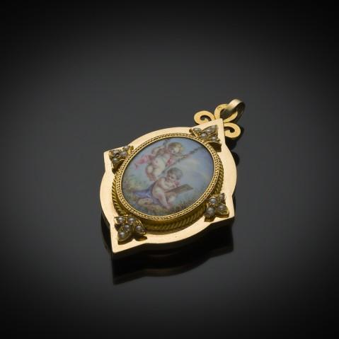 Pendentif ouvrant miniature sur porcelaine fin XIXe siècle