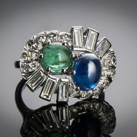 Bague saphir émeraude diamants (vers 1950)