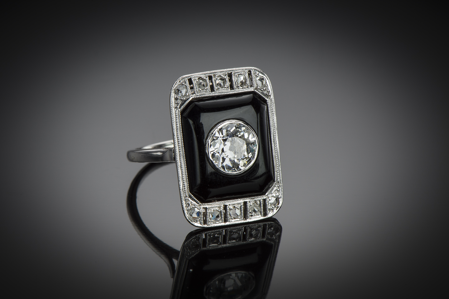 Bague Art Déco diamants (centre 1,40 carat) onyx-1