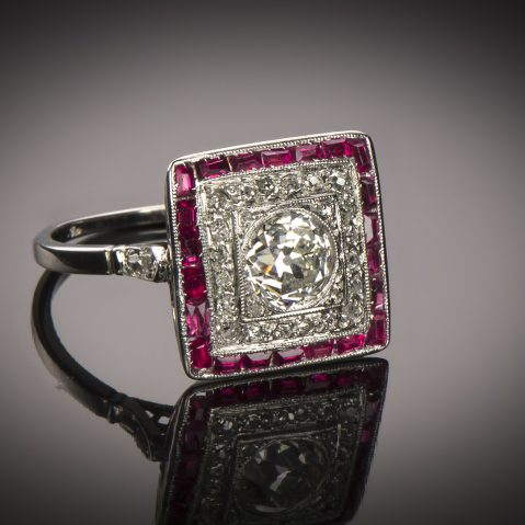 Bague diamants rubis calibrés Art Déco (vers 1935)