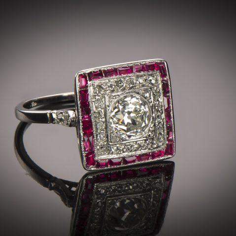Bague diamants rubis calibrés Art Déco (vers 1935)