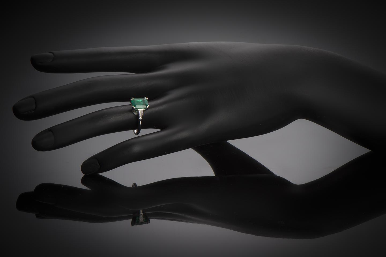 Bague Cartier émeraude (certificat LFG) diamants-2
