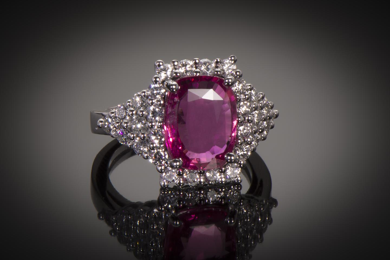 Bague saphir rose naturel (4,44 carats, certificat LFG) diamants-1