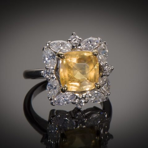 Bague saphir jaune naturel (5,77 carats, certificat MGL) diamants