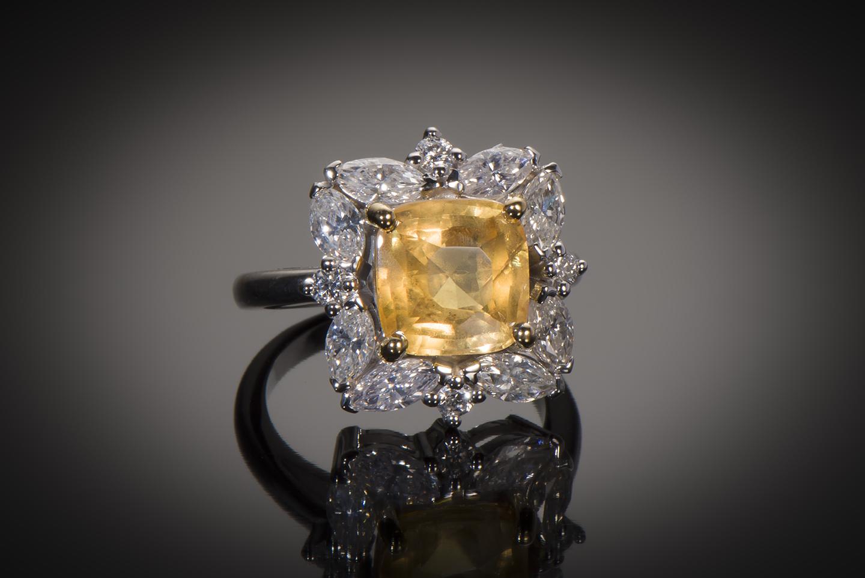 Bague saphir jaune naturel (5,77 carats, certificat MGL) diamants-1