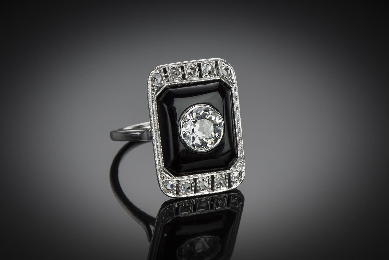 Décryptage : Bague ancienne Art Déco vers 1930 diamants onyx sur platine