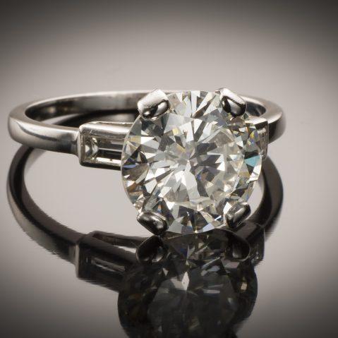Bague solitaire diamant brillant 2,96 carats (certificat LFG)