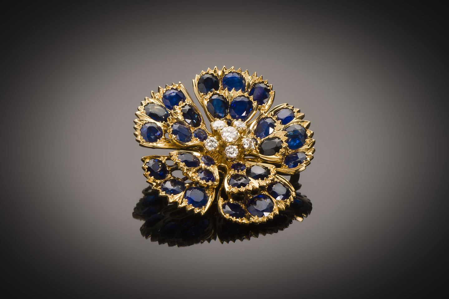 Broche saphirs (5 carats) diamants vers 1950-1