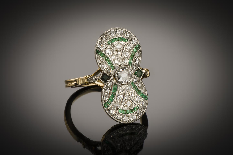 Bague diamants émeraudes vers 1920-1