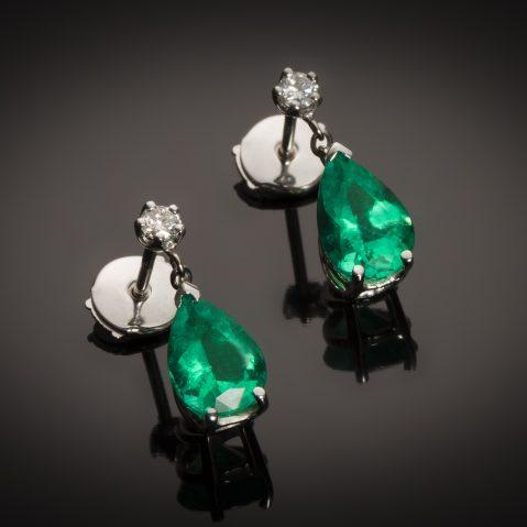 Boucles d'oreilles émeraudes vert intense 3,28 carats (certificat CGL) diamants