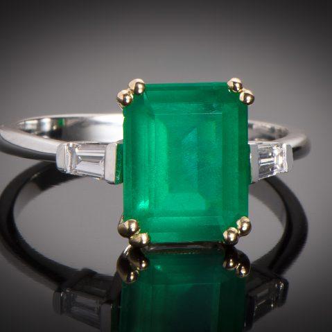 Bague émeraude vert intense (2,57 carats – Certificat CGL) diamants