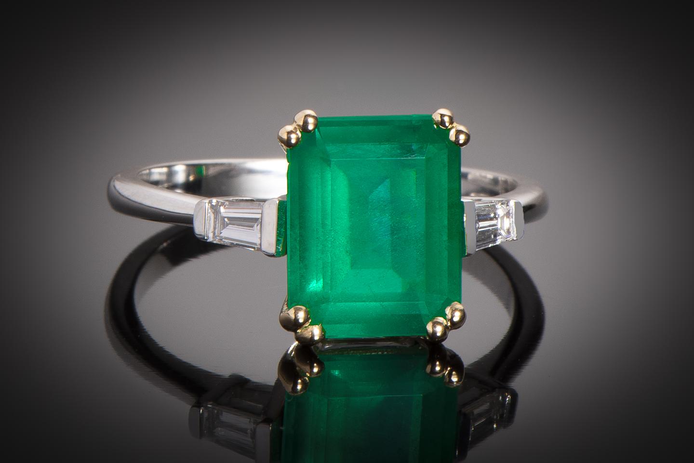Bague émeraude vert intense (2,57 carats – Certificat CGL) diamants-1