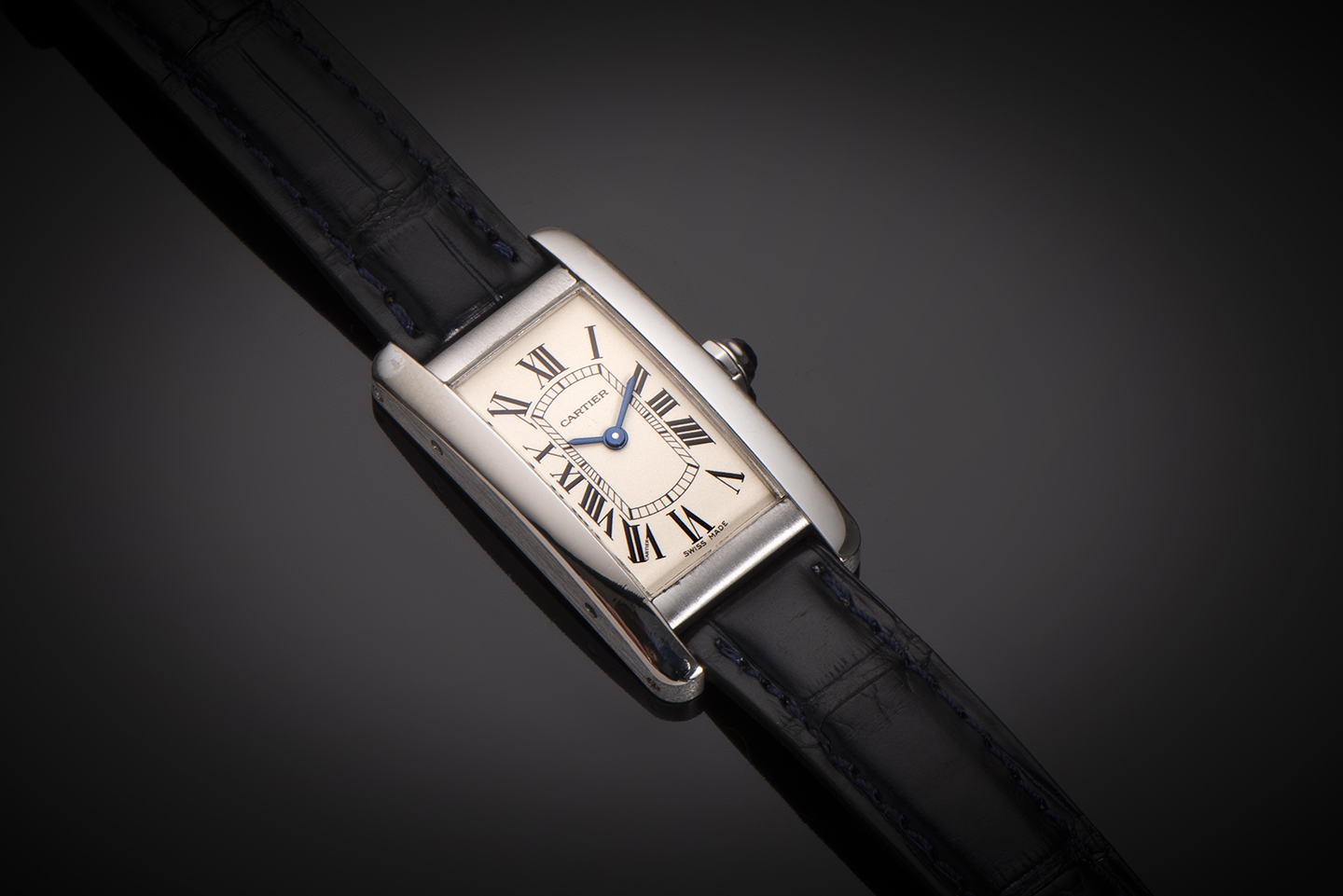 Montre Cartier Tank américaine or gris-1